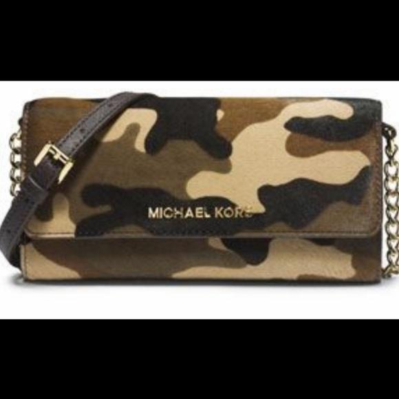 Michael Kors Jet Set Travel Camo wallet on chain